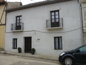 property in Hoyales De Roa
