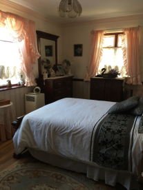 Main house: Bedroom 2