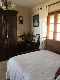 Main house: Bedroom 3