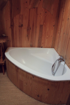 Eco lodge bath