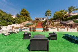 Sun bathing deck