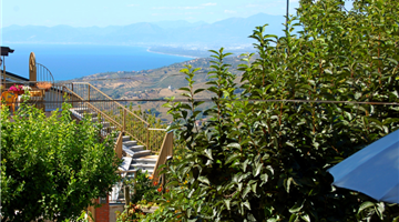 property in Laureana Cilento