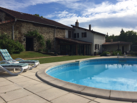 View of house, barn and pool