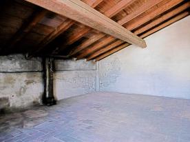GRANAIO 1  Cotto floor - Original Wood Beams Stanza 3      1/2