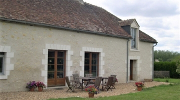 property in Villeloin-Coulange