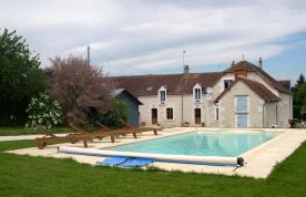 property in Villeloin-Coulange