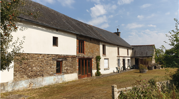 property in Ménéac