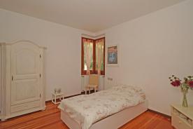 Spacious double bedroom with en-suite bathroom
