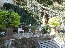 Garden middle terrace