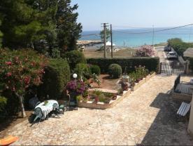 50 metres from beach, beautiful gardens