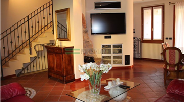 property in Provaglio D' Iseo