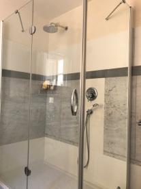 Double shower room in en suite bathroom