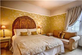 The Adelphi king room