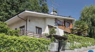property in Luserna San Giovanni