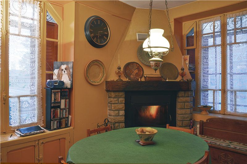 Kitchen with fireplace insert