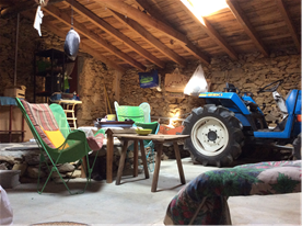 Work shop / tractor house.