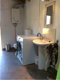 External laundry / wet room