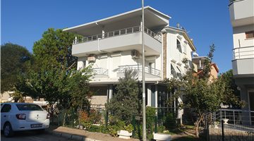 property in Altinkum