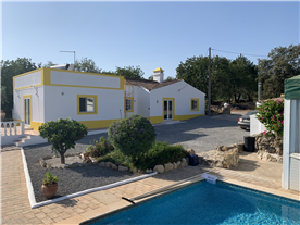 4-bedroomed Detached House with Pool