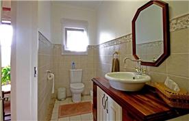 Guest toilet ground floor