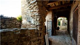 Lane inside Pollica