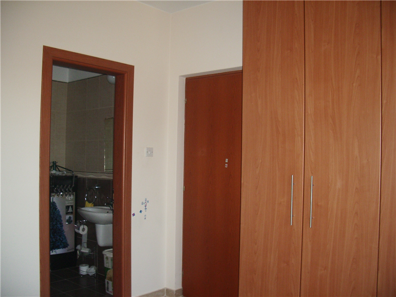 Bedroom 2 ensuite