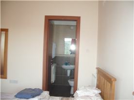 Bedroom 3 ensuite