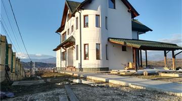 property in Câmpulung