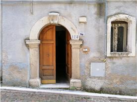 Entrance Corso Vittorio Veneto 128