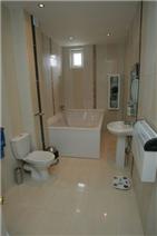 Master bedroom 2 bathroom 4 person bath