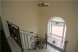 staircase from level 2 to level 3