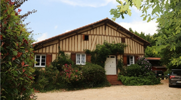 property in Bougneres