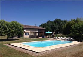 Gite with pool