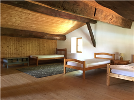 Gite 1st floor large bedroom / dormitory