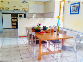 Dining room-Hibiscus