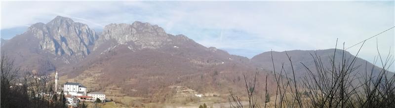 Mountains around Laghi