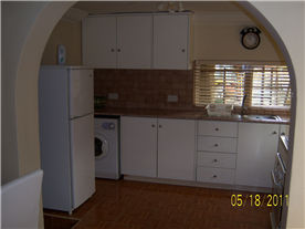 Flat 1, kitchen