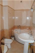 large tub for master bedroom