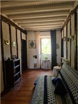 1st floor : Double aspect corridor leading to...