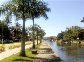 Near the river Perequê-açu's bicycle path