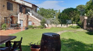 property in Castiglione del Lago