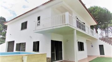 property in Vau