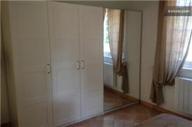 plenty of wardrobe space in bedroom