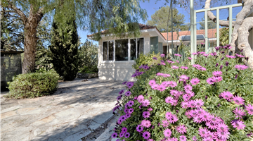 property in Souni-Zanatzia