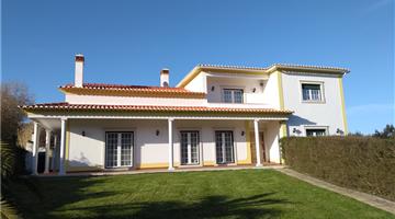 property in Caldas da Rainha
