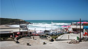 property in Praia Das Maçãs