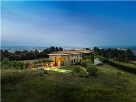 country house property for sale close to Barcelona, in Spain
