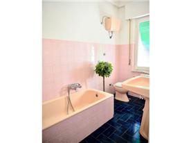1st floor mezz. Bathroom