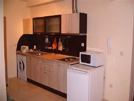 Brand new fully equipt kitchen
