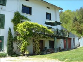 Front view of Les Cristols